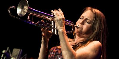 Ondernemende jazzartiest Saskia Laroo staat al jarenlang aan de top