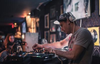 La scène des DJs House