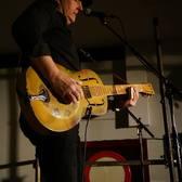 L.E. Fields, Blues, Singer-songwriter, Akoestisch soloartist