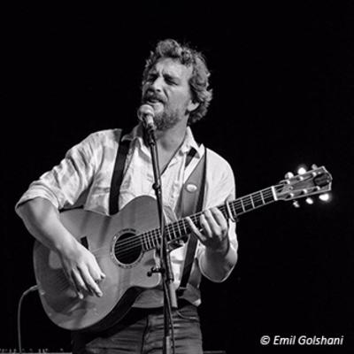 Onwijs Gijs, Singer-songwriter, Nederpop, Folk soloartist