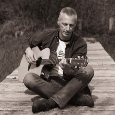 Timber, Pop, Singer-songwriter soloartist