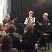 Sjalsjelles, Akoestisch, Volksmuziek, Folk ensemble