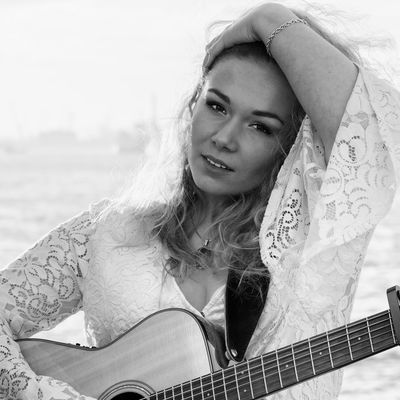 Natalia Magdalena, Singer-songwriter, Country, Americana ensemble