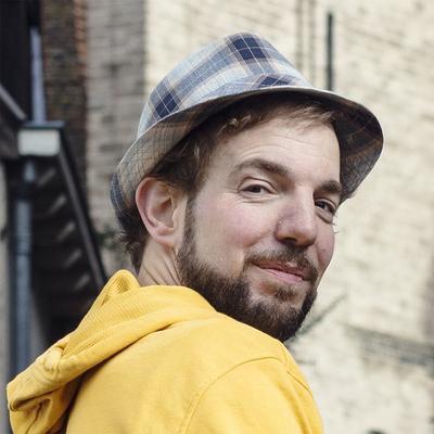 De Reisgenoot, Singer-songwriter, Kleinkunst, Folk soloartist