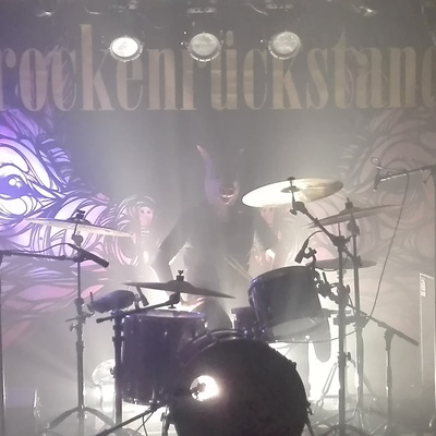 Trockenrückstand, Grunge, Metal, Punk band