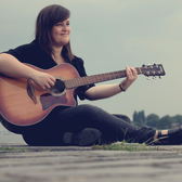Lizzie, Komedie, Singer-songwriter, Kleinkunst soloartist