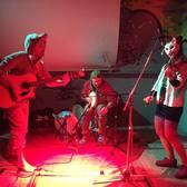 Ghom, Alternatief, Rock, Folk band