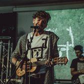 This Is Hert, Singer-songwriter, Electronic, Alternatief soloartist