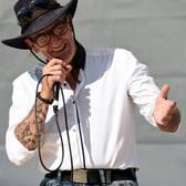 Mr. Evergreen, Romantiek, Western swing, Country soloartist
