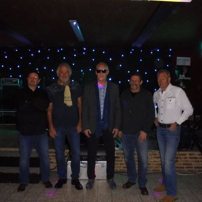 Avenue-B, Coverband, Rock band