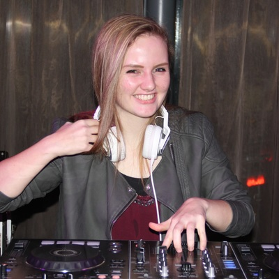 DJ Nikki, Dance, Dancehall dj
