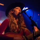 Mustang Lola, Americana, Country, Blues soloartist