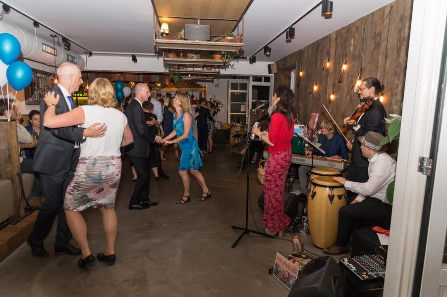 Dansen met salsa piano pasion