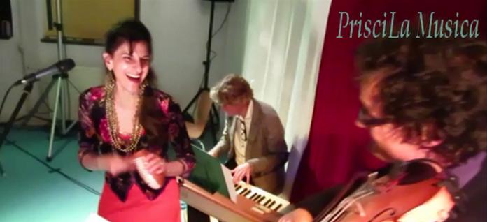 Priscila met small band
