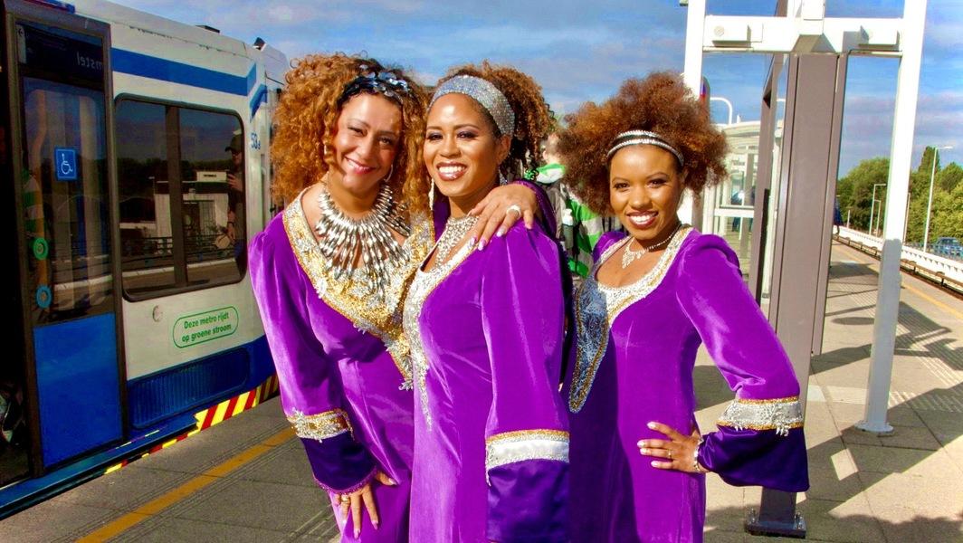 Gospel queens optreden in metro